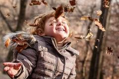 Jesenska-fotografija-otroka-Trije-ribniki-Maribor-nives-brelih-photography